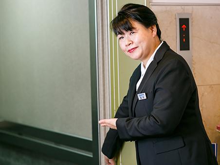 写真:事務 坂本