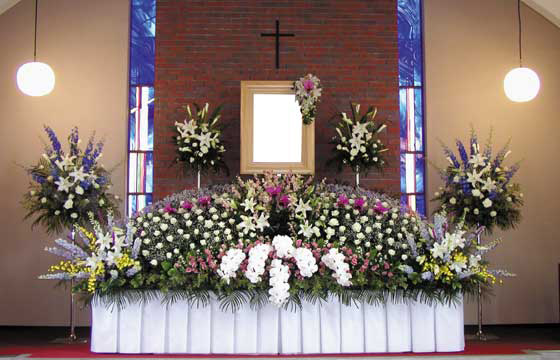 写真:キリスト教祭壇2