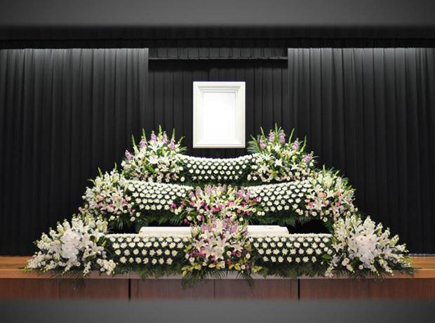 写真:生花祭壇5