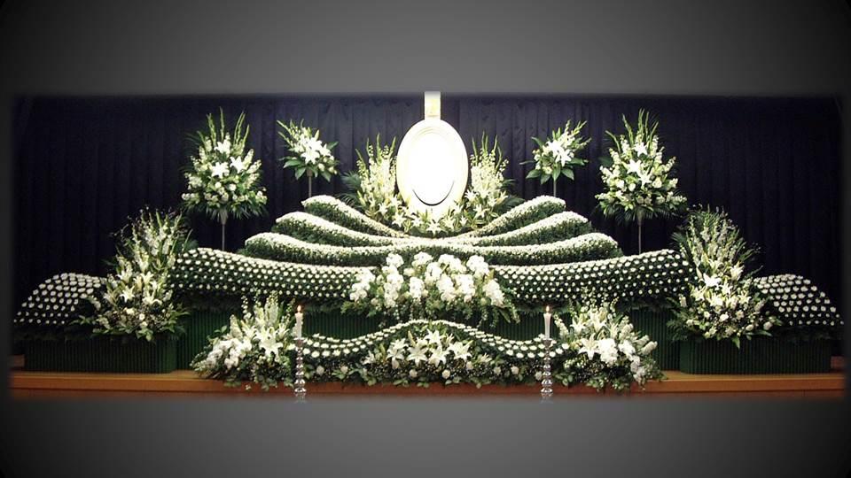 写真:社葬祭壇2