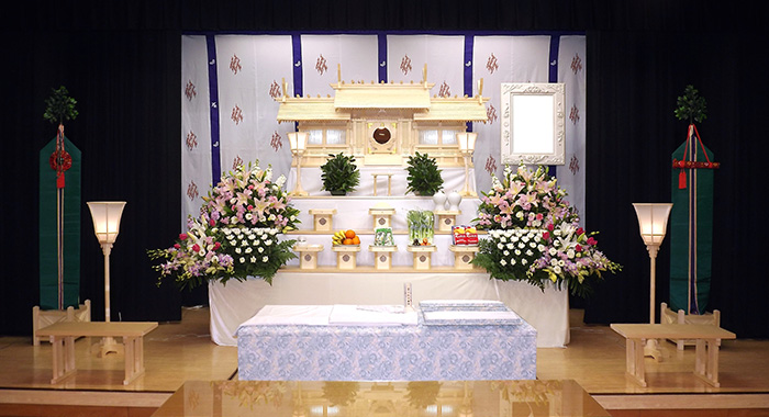 写真:神式祭壇1