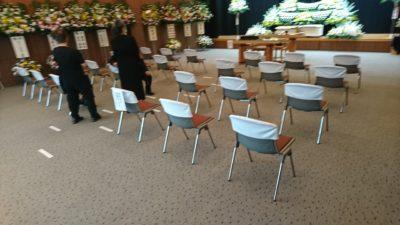お葬式式場でのソーシャルディスタンスの確保1